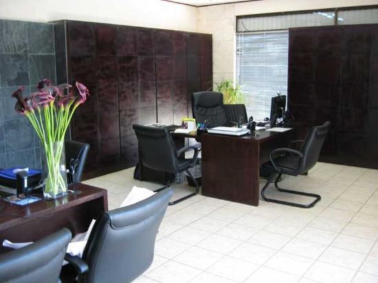 Blue Palm Hotel: Blue Palm office