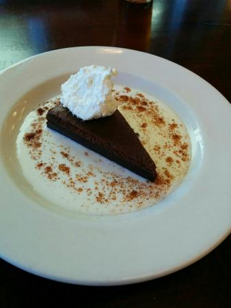 Southern Pines, Kuzey Carolina: Chicken tamale  and flourless chocolate both exceptional.