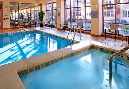 Wyomissing, Пенсильвания: Indoor Pool & Spa