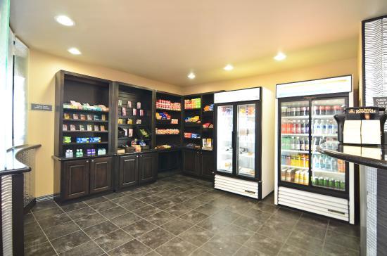 Best Western Premier Crown Chase Inn & Suites: Sundries Shop