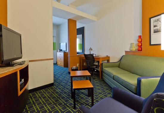 Boerne, TX: King Suite Living Area