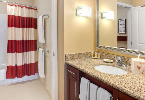 Hunt Valley, MD: Guest Bathroom