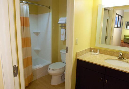 DeSoto, تكساس: Two-Bedroom Guest Bathroom