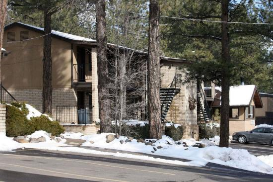 Munds Park, AZ: Winter time at Motel in the Pines