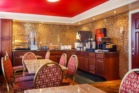 Rodeway Inn Meadowlands: Breakfast