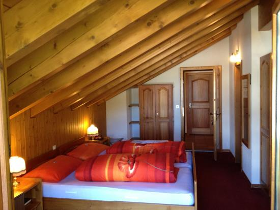 Oberwald, สวิตเซอร์แลนด์: One of our Bedrooms