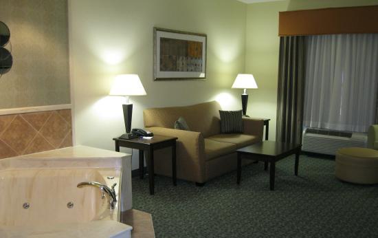 Covington, TN: Jacuzzi Suite