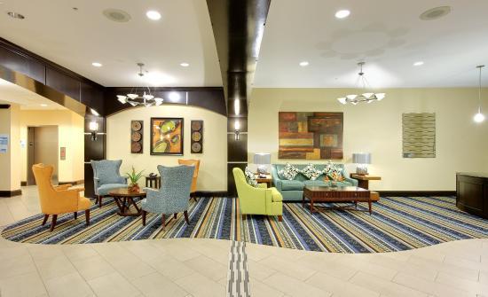 Covington, TN: Hotel Exterior