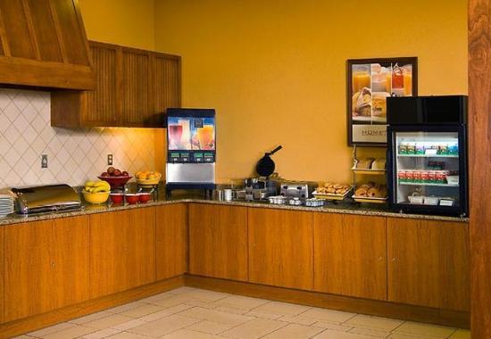 Aberdeen, MD: Hearth Room Buffet