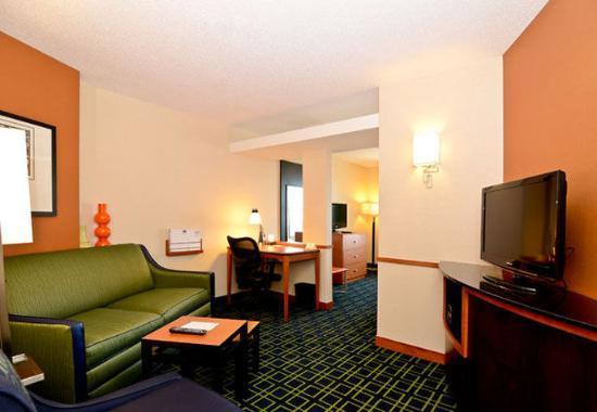 นิวเบดฟอร์ด, แมสซาชูเซตส์: King Suite Living Area