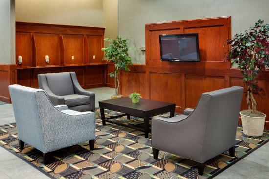Smithfield, RI: Hotel Lobby