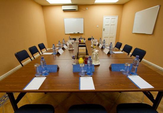Chingola, แซมเบีย: Conference Room – Boardroom Setup