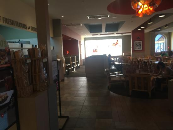 expansive dining room picture of wildflower bread company rh tripadvisor com