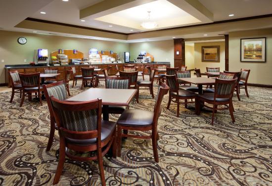 Mason City, IA: Breakfast Bar