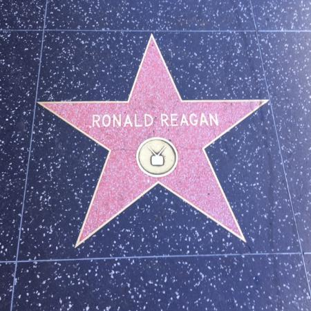 Beverly Hills, Californië: The Walk of Fame Star of actor and president, Ronald Reagan.
