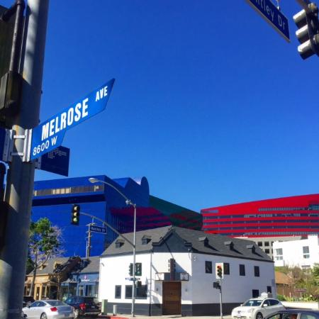 Beverly Hills, Californië: The blue, red and green buildings that make up our Pacific Design Center in WeHo.