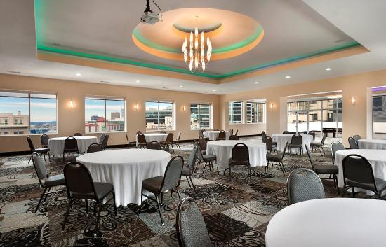 Holiday Inn Express & Suites Atlanta Downtown: Special Events