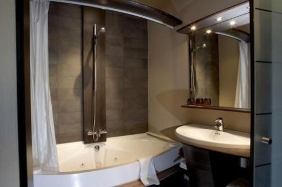 Hotel Harmony: Luxury room