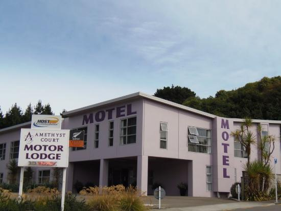 Amethyst Court Motor Lodge: Exterior