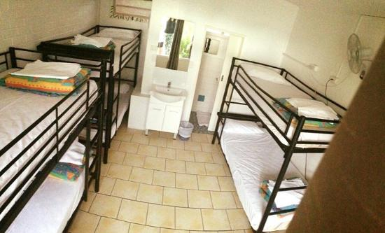 Hoey Moey Backpackers: Room 25!
