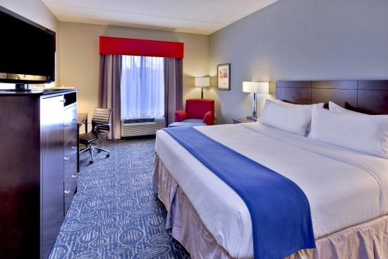 Oak Ridge, TN: ADA/Hearing Accessible Standard King Guest Room