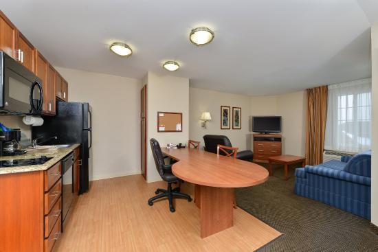 Chambersburg, PA: Suite