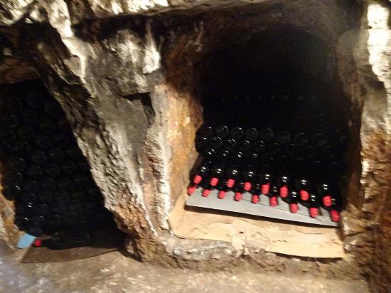 Kathikas, قبرص: The cave-cellar