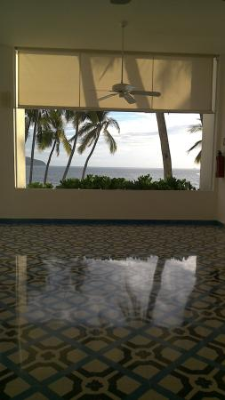 Elcano Hotel: Bay view from the corridor
