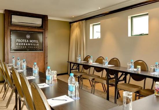 Bellville, Sør-Afrika: Conference Room – U-Shape Setup