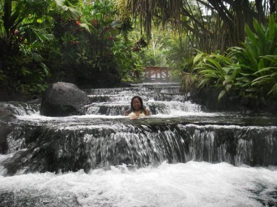 Tabacon Grand Spa Thermal Resort: In the natural hot spring river