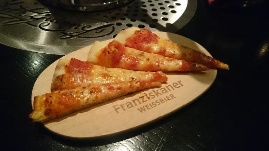 The Key & Eagle : Complimentary slices