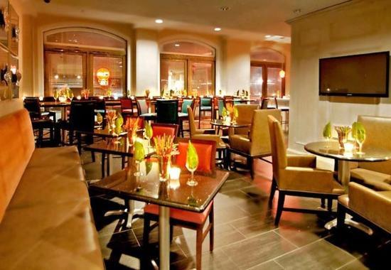 Fairfield Inn & Suites Atlanta Downtown : Lounge Fifty-Four
