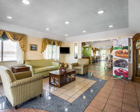 Evergreen, AL: Interior
