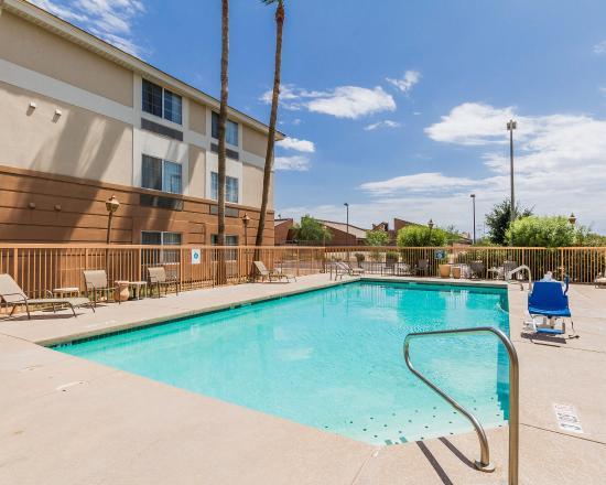 Rodeway Inn at Metro Center: Pool