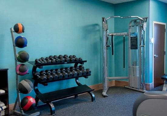 Urbandale, IA : Fitness Center – Free Weights