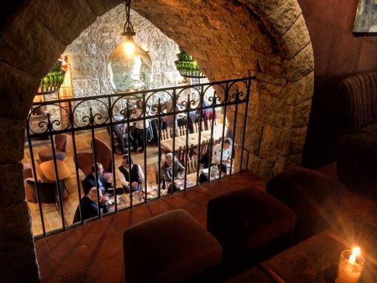 Kfardebian, Líbano: The nicely decorated Resto