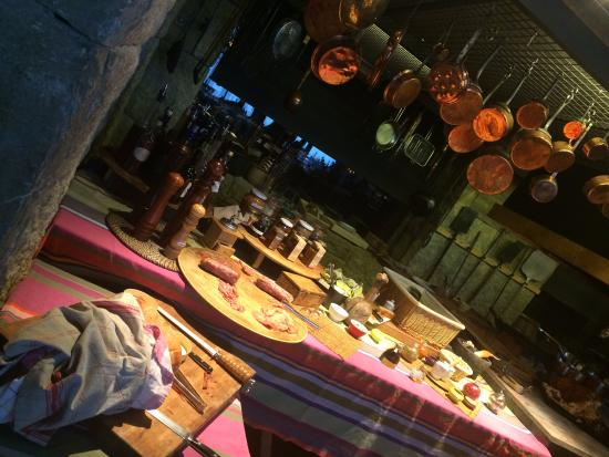 Kfardebian, Líbano: The open kitchen