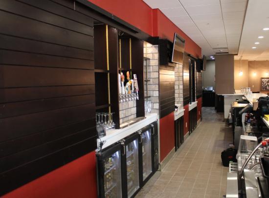 Salina, KS: Burger Theory Bar & Lounge