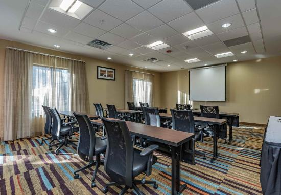 Elkhart, IN: Elk Heart Room - Class Room Setup