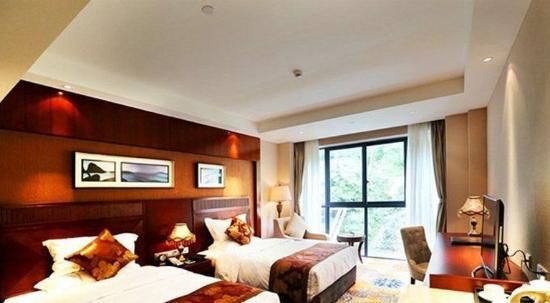 Dujiangyan, China: Deluxe Mountain View Room