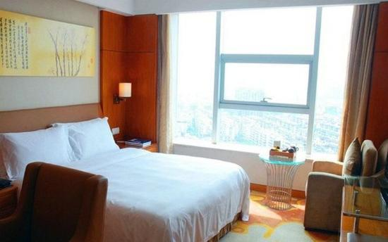 Fuyang, จีน: Landscape King Room