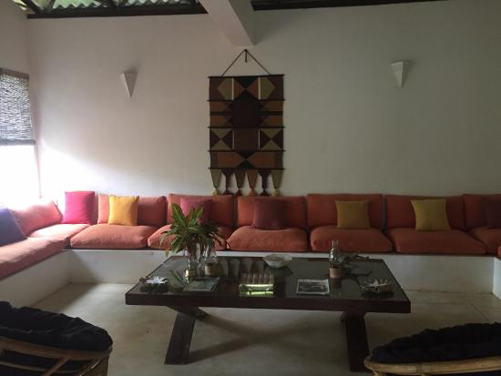 Lilly Village Boutique Hotel: Communal living area