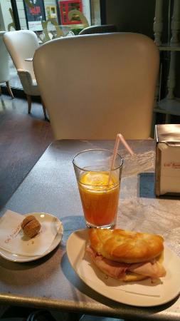 Serravalle Scrivia, إيطاليا: Ca'puccino