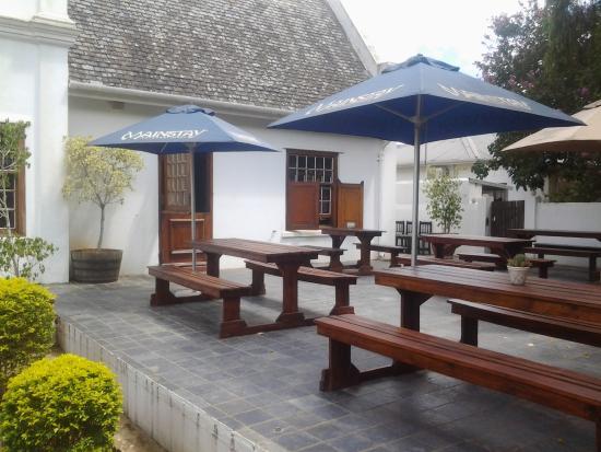 Kirkwood, Νότια Αφρική: Outdoor seating area for restaurant