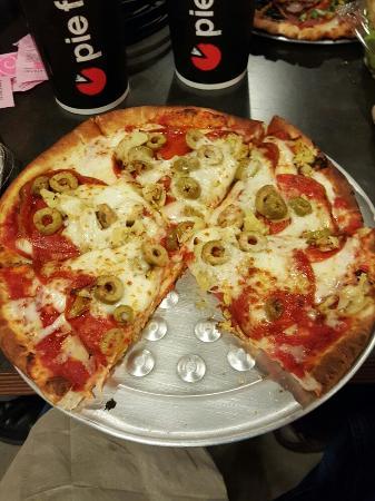 เว็บสเตอร์, เท็กซัส: Pie Five Pizza Co