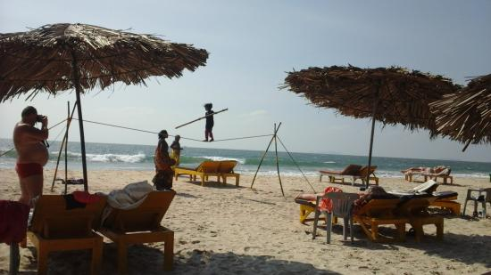 Majorda, Indien: More circus on Gonsua Beach 12th Feb