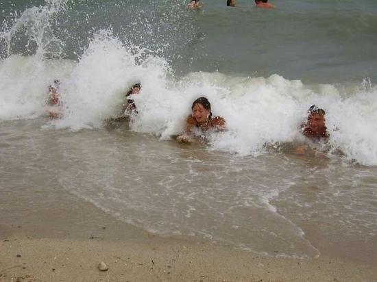 Polichrono Beach: Najkrajšia dovolenka v mojom detstve :) krásne čisté more,piesok nádherné vlny a neskutočne tepl