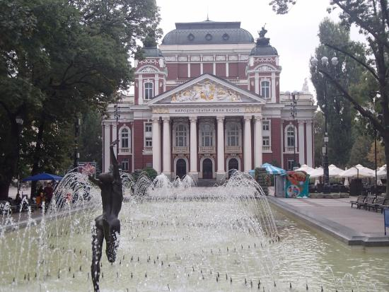 Ivan Vazov National Theater: Artistic Vision by Moi !