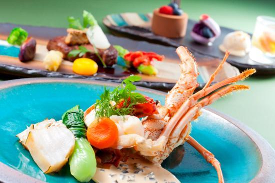 Hotel Nikko Alivila Yomitan Resort Okinawa: ブラッスリー「ベルデマール」琉球マルシェ