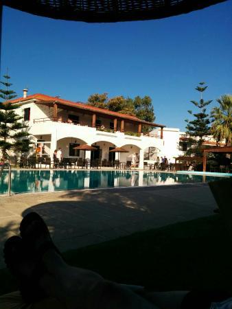 Vallian Village Hotel: IMG_20150929_085920_large.jpg